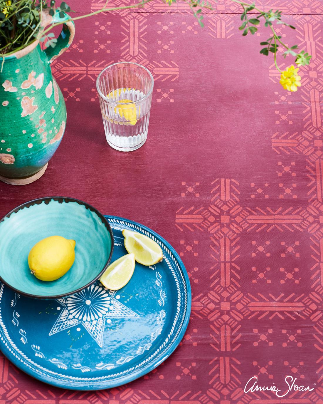 pochoir table