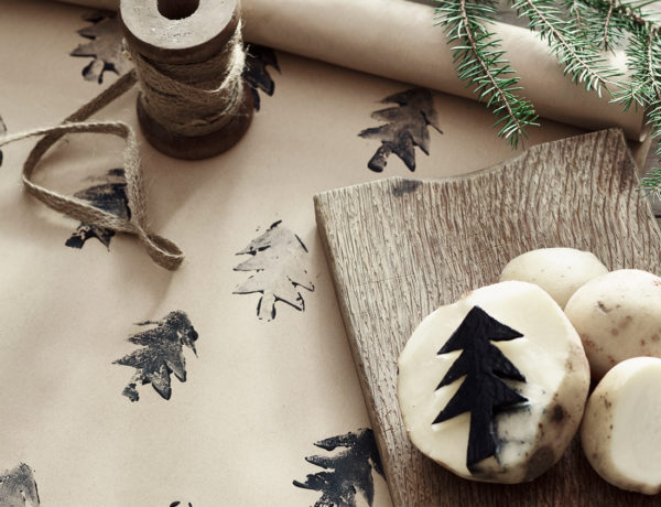 Christmas-potato-printed-wrapping-paper-with-Chalk-Paint-in-Athenian-Black